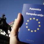 Нема навала од Македонци за Хрватски и Романски пасоши