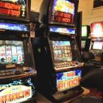 Властите се справуваат со нелегалното коцкање во Албанија и во Косово