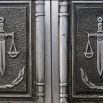 Преземање и отстапување на кривично гонење