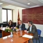 Jashari ги додели решенијата за поставување постојани судски преведувачи во судовите во Република Македонија