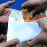 Затворски казни за работодавачите кои ќе побараат од работникот да врати пари од платата