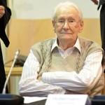 Чуварот на Аушвитц побарал помилување на првиот ден од судењето