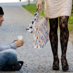 Беда и луксуз: Сиромашните го преживуваат месецот со 89, богатите со 1.156 евра