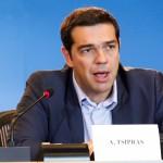 Грците со нови масовни протести за поддршка на Ципрас
