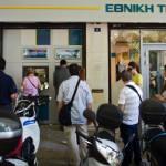 Грците ќе може да вадат само 60 евра дневно, мерката нема да се однесува на туристите
