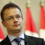 Унгарија ќе подигне четириметарска ограда на границата со Србија