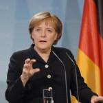 На Меркел и се закнува пратенички бунт заради финаниската помош за Грција