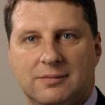 Летонскиот претседател ја подржува забраната за носење бурка во Летонија