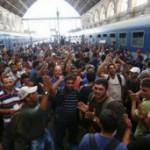Протести во знак на поддршка на мигрантите во центарот на Будимпешта