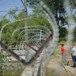 Унгарија: 9 мигранти на суд поради нелегално преминување на границата