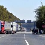 Македонски камионџии го блокираа главниот премин на српско-хрватската граница
