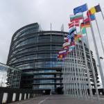 Европскиот парламент бара земјите од ЕУ да се откажат од гонење на Сноуден