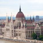 Унгарскиот парламент усвои резолуција со која се одбива планот на ЕУ за воведување на квоти за бегалците