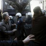 Полицијата се судри со демонстрантите во Атина
