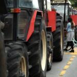 Грчките земјоделци денеска од 11 до 13 часот ќе ги блокираат премините Богородица и Дојран