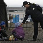 Хрватска враќа 200 мигранти во Србија