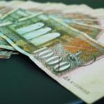 Просечната плата во март изнесувала 22.053 денари