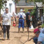 Владата бара вработените од поплавените подрачја да бидат ослободени од работа до петок