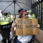 Одобрен референдумот за смена на претседателот на Венецуела