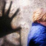 Кривична и притвор за мајка што си го удри бебето од земја
