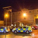 Англија: Бунт во затворот Бедфорд – затворениците завзедоа две крила