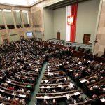 Полска ја намали старосната граница за пензионирање