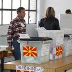 Гласањето за изборите почна со членовите на избирачките одбори