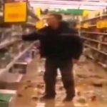 Газда на маркет претепан оти и ја намалил платата на продавачката