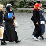 Укината забраната за носење шамии за жените од турската армија