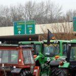 Грчките земјоделци го прекинаа штрајкот, Евзони отворен за сообраќај