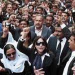 Адвокати во Пакистан протестираат поради напад на судот