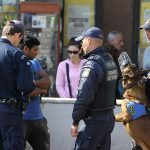 Во Грција апсења поради издавање дозволи за престој и за работа