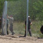 Унгарија гради нова ограда на границата со Србија