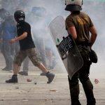 Судири меѓу полицијата и демонстранти во Атина