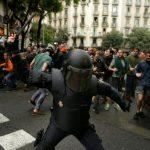Генерален штрајк во Каталонија поради полициската бруталност
