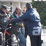 """Кривична пријава за арачиновецот што обвиткан со петарди дојде на """"Диво Насеље"""""""
