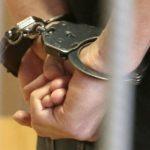 """Уапсени три лица за """"несовесно работење во службата"""""""