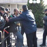 Мажот кој вчера беше приведен пред Врховниот суд во ранецот носел петарди