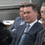 (Видео) Судот конечно дозволи Груевски да го снимаат на обвинителна клупа