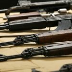 Полицијата пронајде оружје и муниција при претрес во куќи во скопската населба Ченто