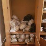 Притворени двајца тетовци за поседување наркотици и оружје