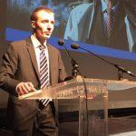 Синот на Шешељ се спогоди со обвинителството, доби шест месеци куќен затвор