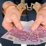 Откриени илјада големи затајувачи на данок во Италија