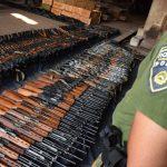 """(Видео) Уништени 590 пушки и пиштоли на МВР во """"Фени"""""""