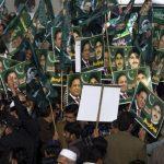 Седум години затвор за поранешниот премиер на Пакистан