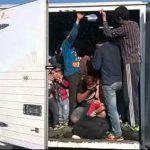 Уапсен возач кој превезувал осум мигранти кај Смоквица