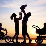 МТСП: Брачната заедница и термините мајка и татко не се менуваат