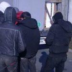 Во комбе на автопатот Гевгелија – Скопје, пронајдени 43 мигранти