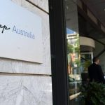 Полицијата во Австралија упадна во државната телевизија поради вестите за Авганистан