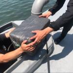 ФБИ држи 10 Црногорци на брод со 16 тони кокаин